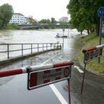 冠水した道路 車で走向できる限度とは?