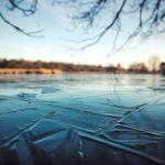 池の氷は危険! 危険な場所とは?